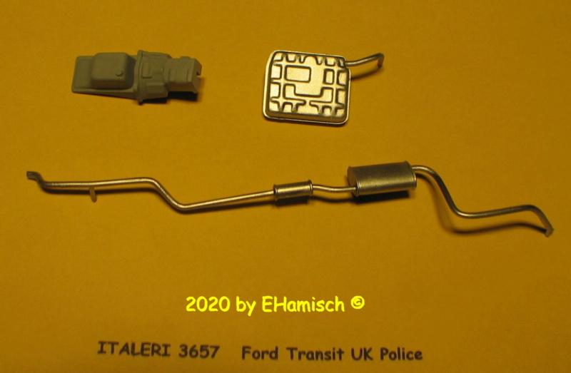 ITALERI 3657 Ford Transit UK Police Img_9642