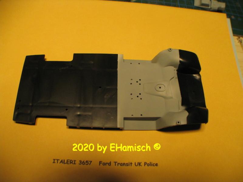 ITALERI 3657 Ford Transit UK Police Img_9644