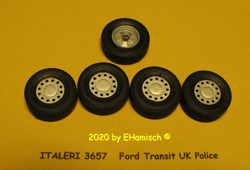 ITALERI 3657 Ford Transit UK Police Img_9712