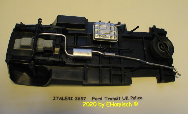 ITALERI 3657 Ford Transit UK Police Img_9714