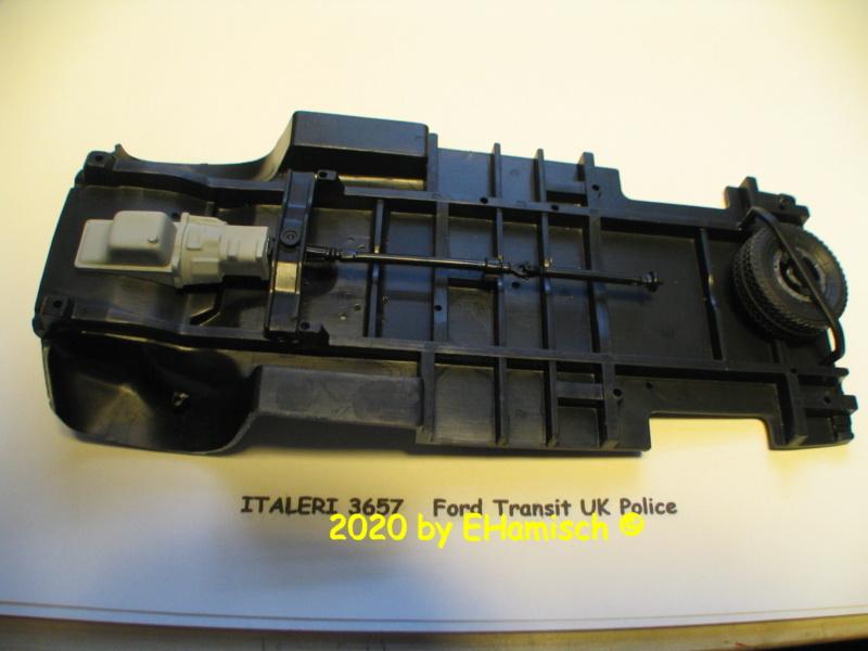 ITALERI 3657 Ford Transit UK Police Img_9715