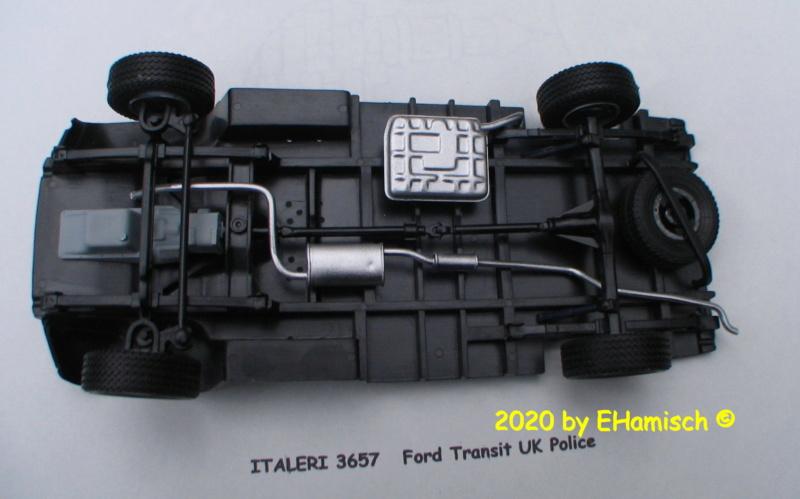 ITALERI 3657 Ford Transit UK Police Img_9716