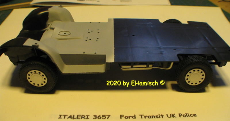 ITALERI 3657 Ford Transit UK Police Img_9717