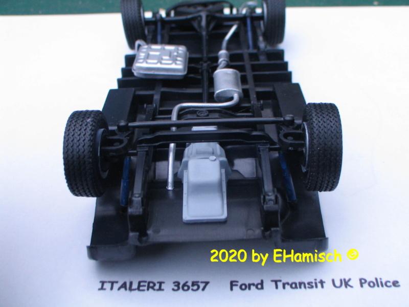 ITALERI 3657 Ford Transit UK Police Img_9718