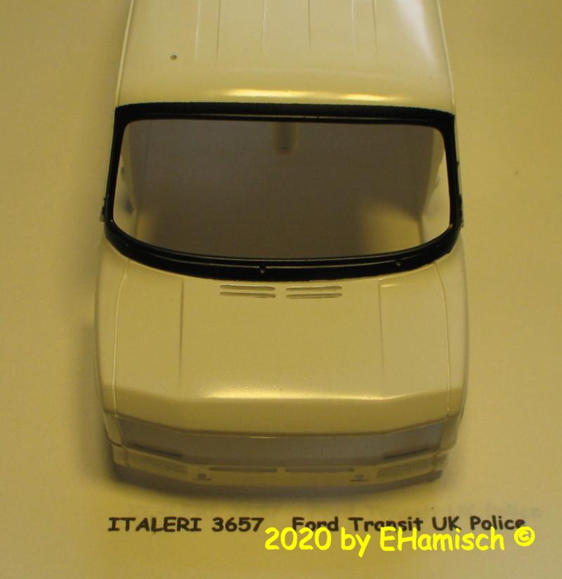 ITALERI 3657 Ford Transit UK Police Img_9719