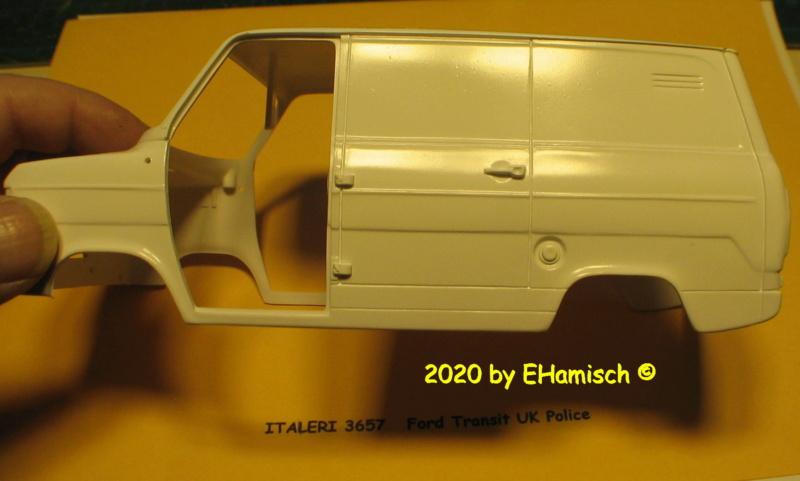 ITALERI 3657 Ford Transit UK Police Img_9720