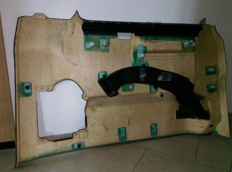 AV panneaux habillage intérieur T5 caravelle 2004 Arr_dr11