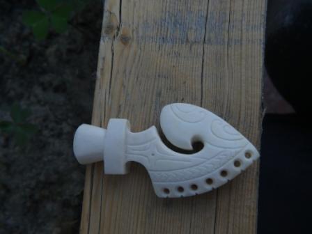 Sculpture sur os (création d'un pendentif) P1160114