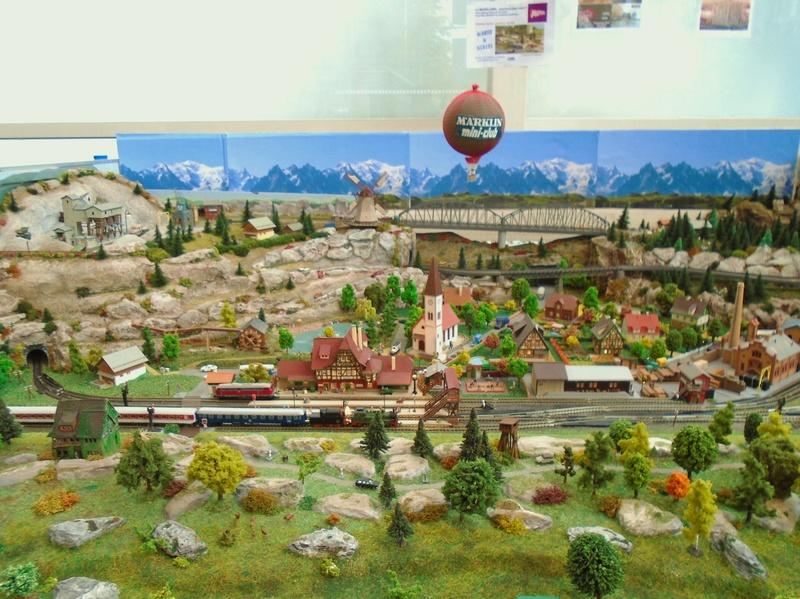 grand passionné de petits trains échelle Z Albert14