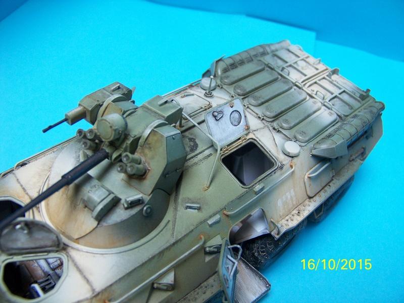 BTr 80 apc de Trumpeter au 1/35 - Page 3 100_3825