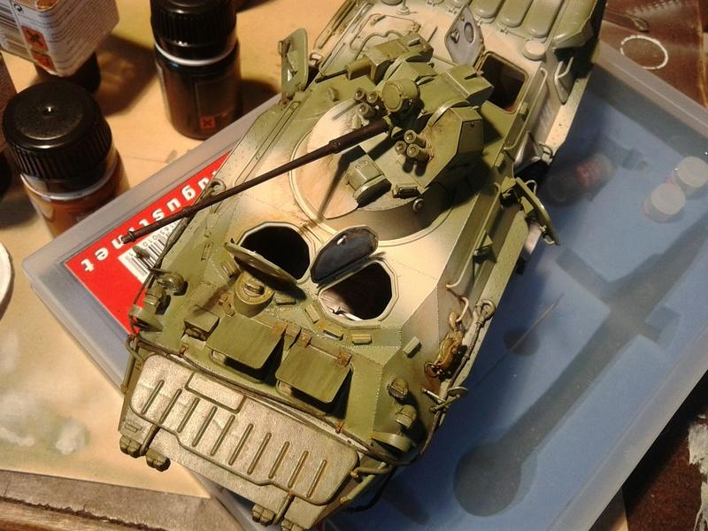 BTr 80 apc de Trumpeter au 1/35 - Page 3 Img_2029