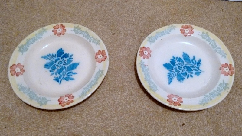 English? Blue & White 17th Century? Tin Glazed? Spongeware plates  111