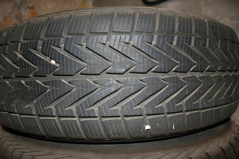 Vends pneus S4 sur jantes tôle. Img_2611