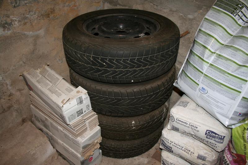 Vends pneus S4 sur jantes tôle. Img_2612
