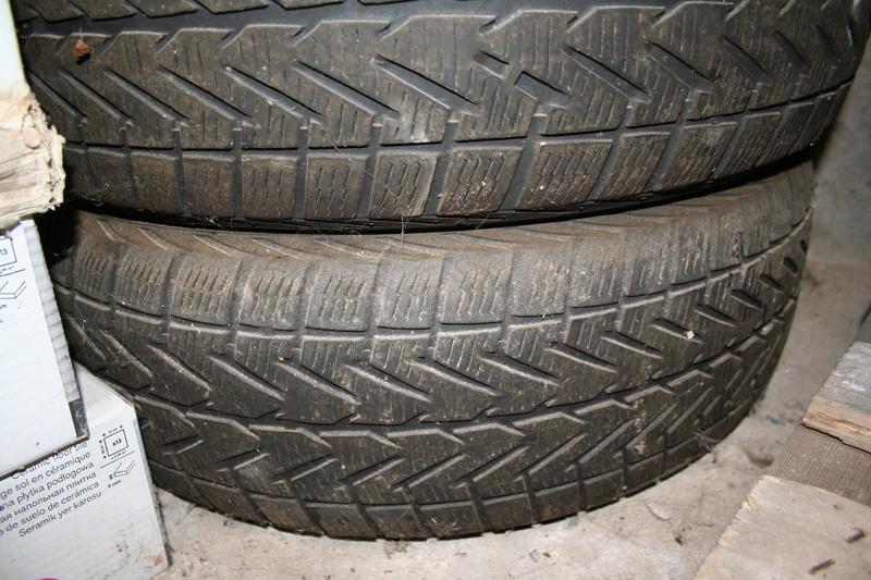 Vends pneus S4 sur jantes tôle. Img_2613
