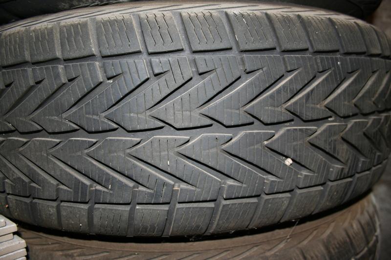 Vends pneus S4 sur jantes tôle. Img_2614