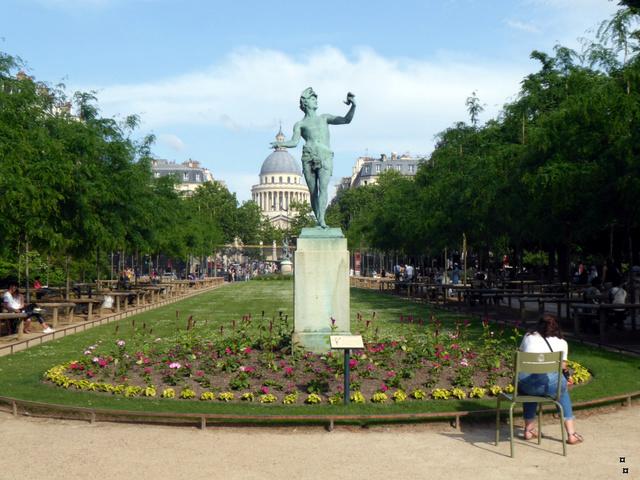 Choses vues dans le jardin du Luxembourg, à Paris - Page 6 1-p10210