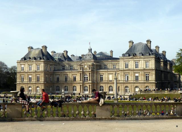 Choses vues dans le jardin du Luxembourg, à Paris - Page 6 P1020428
