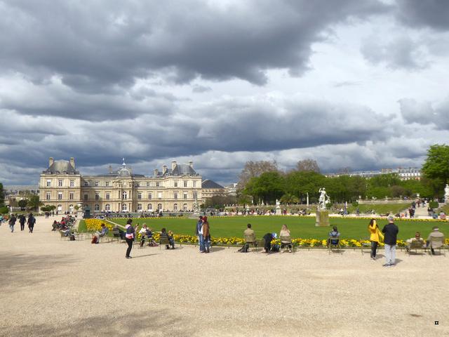 Choses vues dans le jardin du Luxembourg, à Paris - Page 6 P1020432