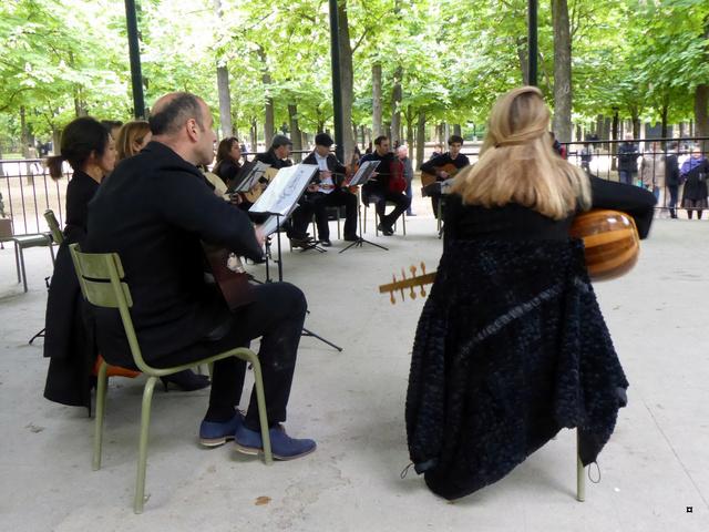 Choses vues dans le jardin du Luxembourg, à Paris - Page 6 P1020515