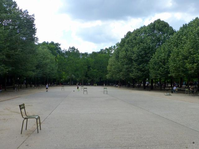Choses vues dans le jardin du Luxembourg, à Paris - Page 6 P1140110