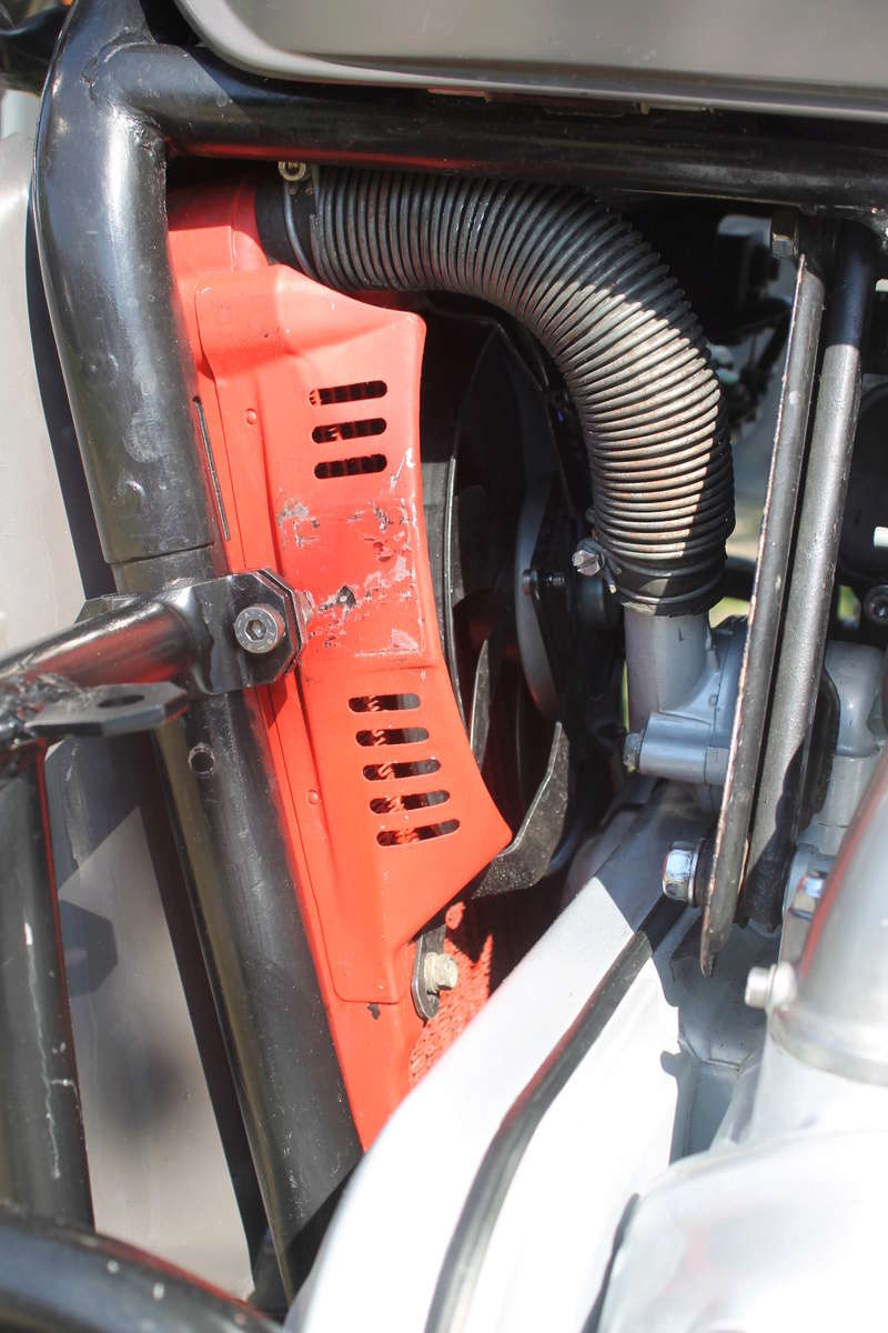 Optimisation du refroidissement du moteur GL1000 - Page 2 Img_7111