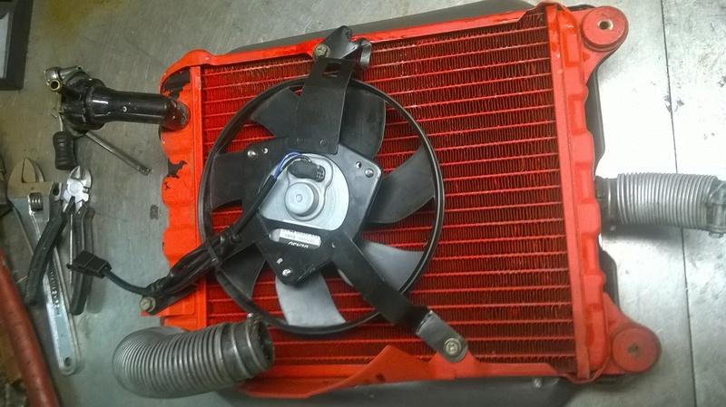 Optimisation du refroidissement du moteur GL1000 - Page 2 Wp_20127