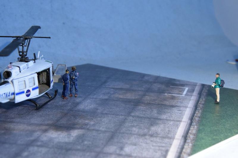 """Bell Huey UH-1H """"NASA"""" - Revell - 1/72 - Page 20 18810"""