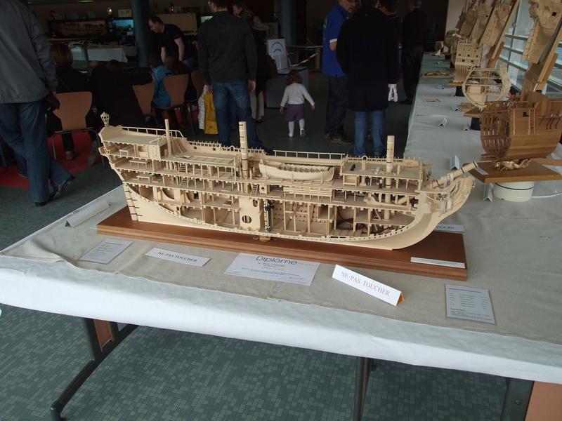 Un boomboat tout rouillé - Page 3 Expo_m10