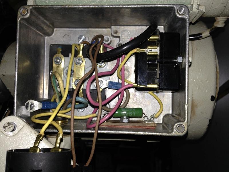 remplacer un disjoncteur démarreur sur un moteur monophasé 220 V - Page 2 Connex12