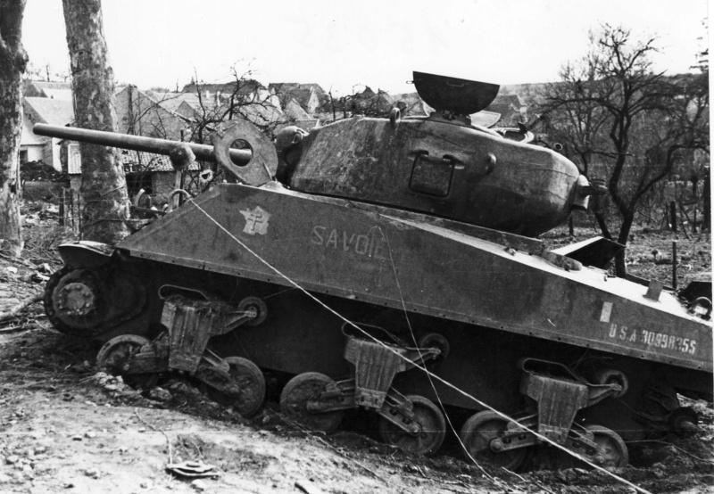 """Sherman M4A1 du 2ème escadron du 12ème RCA """"ANCINNES II"""" 30998312"""