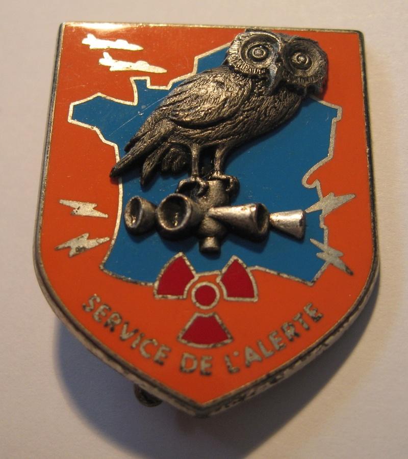 Un insigne de l'armée de l'AIR (avec une chouette) ?? Img_1211
