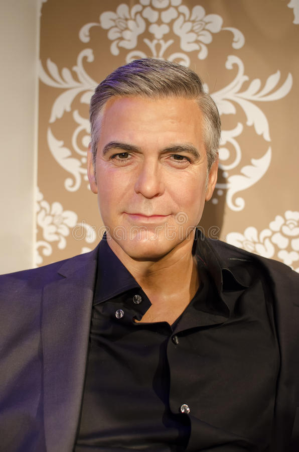 Casting for a George Clooney lookalike - Page 2 Cloone13