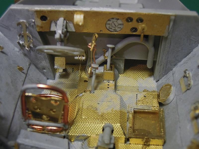 Epave Sd.Kfz 251/1 Dscn0042
