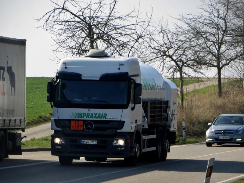 Praxair (73) 28810