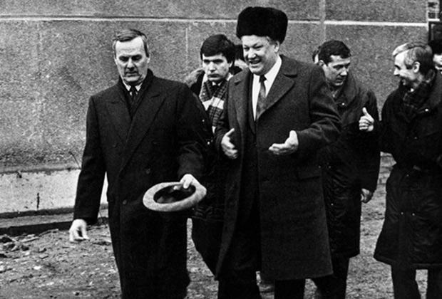 «С ним нельзя было прийти обсудить всякие шахеры-махеры» Ксения Собчак о судьбе своего отца, бандитском Петербурге и прошлом Путина Iau_a_11