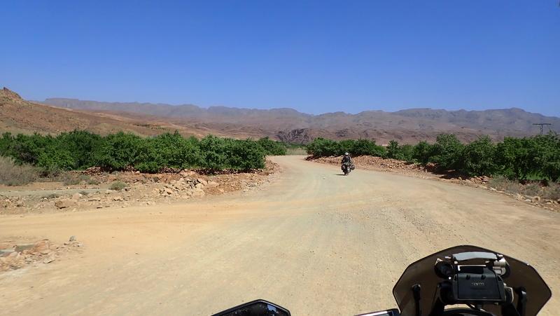 La traversée du Djebel Saghro n'est plus une piste ... P3300011