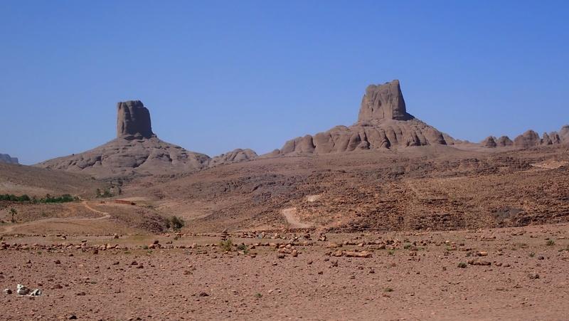 La traversée du Djebel Saghro n'est plus une piste ... P3300014