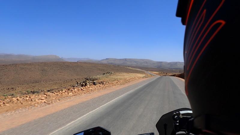 La traversée du Djebel Saghro n'est plus une piste ... P3300015