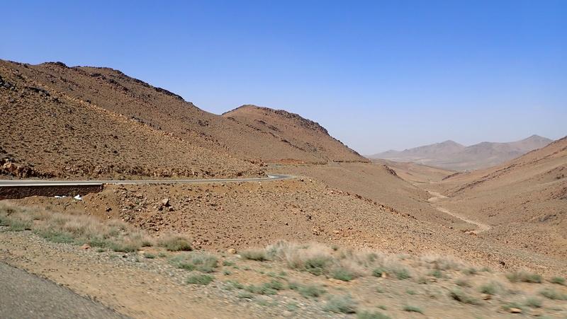 La traversée du Djebel Saghro n'est plus une piste ... P3300114