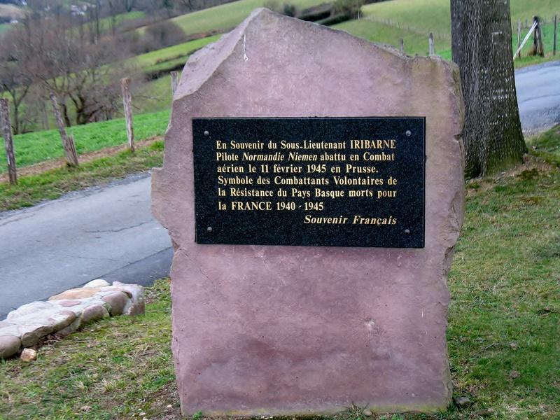 stèle Robert Iribarne Itxassou Img_9024