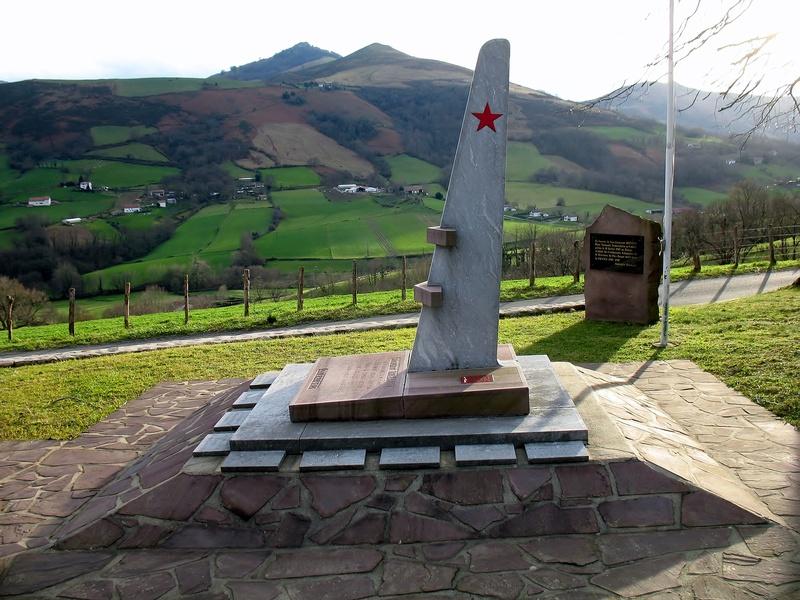 stèle Robert Iribarne Itxassou Img_9026