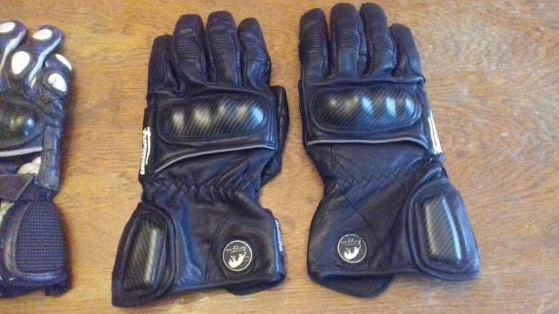 vous avez quoi comme gants?? 24067910