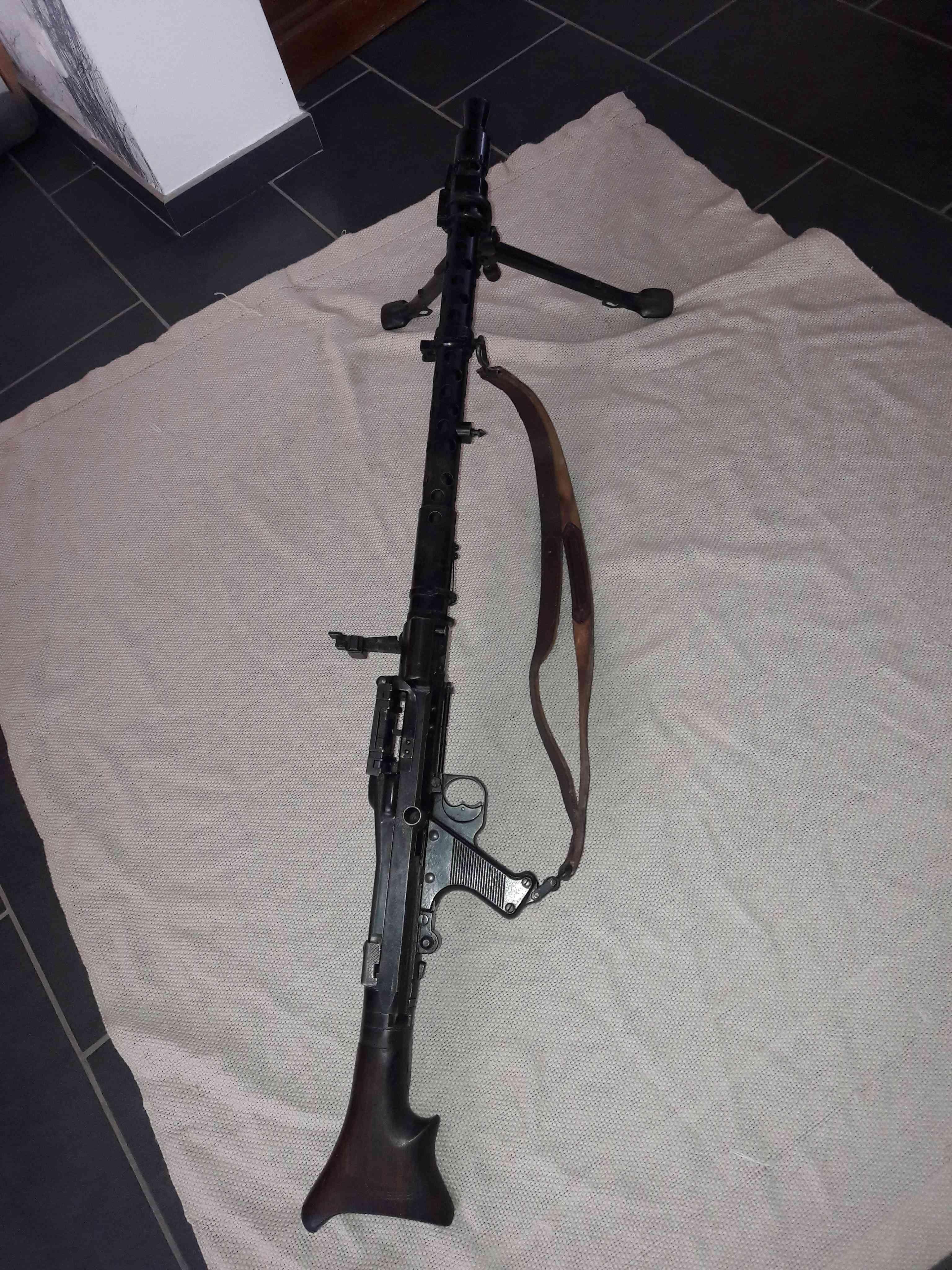 Marquage sur MG34 33937510