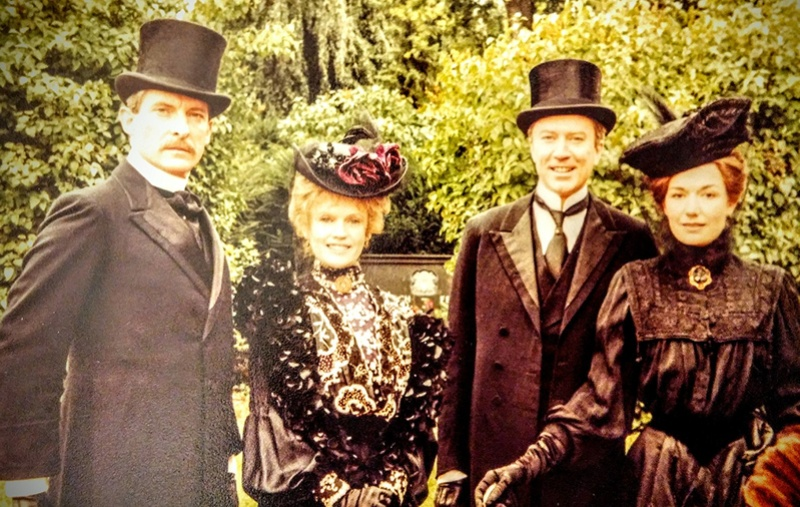 GALERIE PHOTOS JEREMY BRETT - Page 7 The_go10