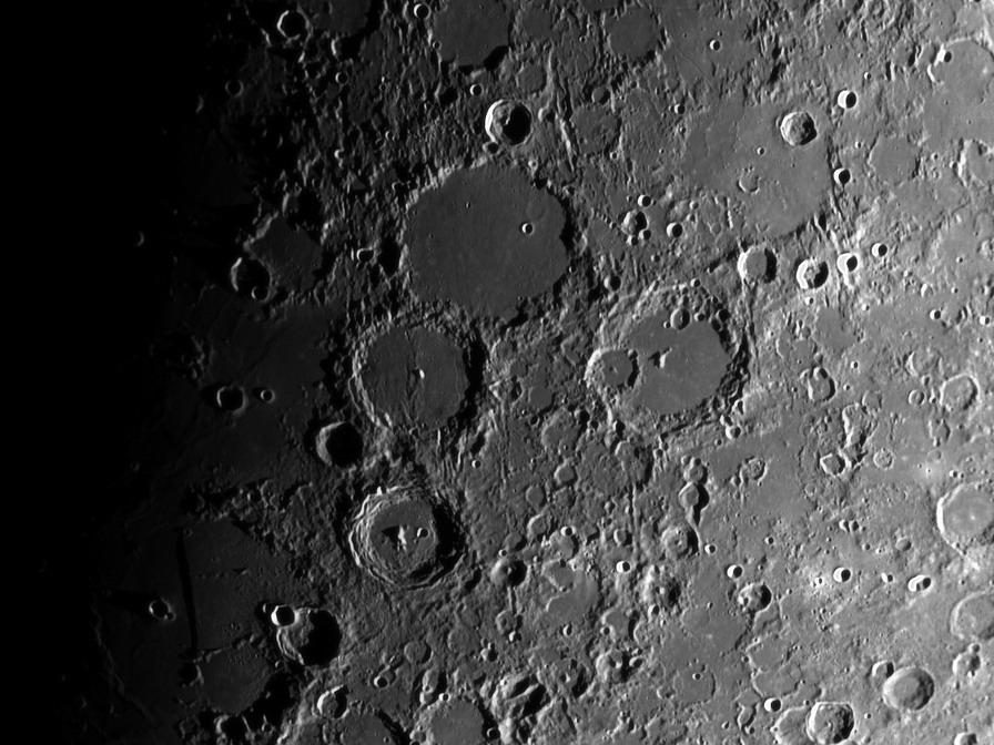 US Moon Ship de chez Lindberg : TERMINE ! ! ! - Page 2 2018-012