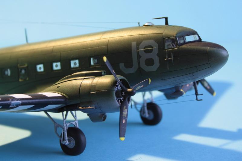 """C47 """"Skyrain"""" 1944 de chez AIRFIX au 1/72eme C47_1210"""