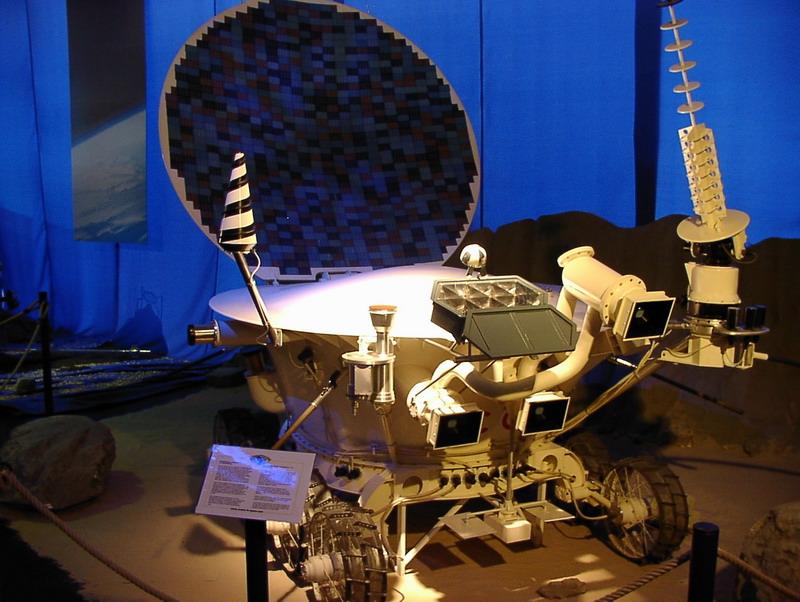 US Moon Ship de chez Lindberg : TERMINE ! ! ! - Page 3 Lunokh10