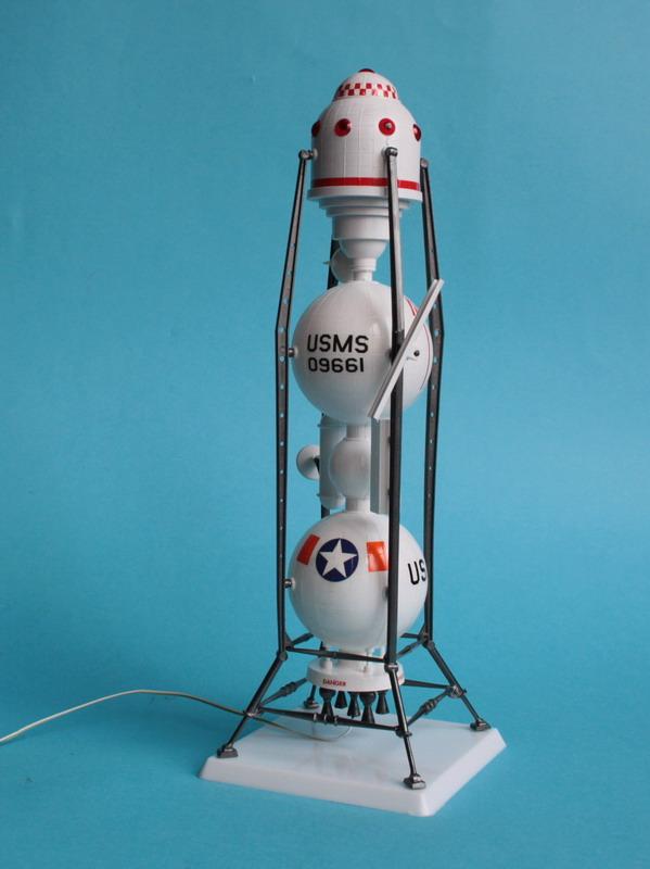 US Moon Ship de chez Lindberg : TERMINE ! ! ! - Page 3 Us_moo51