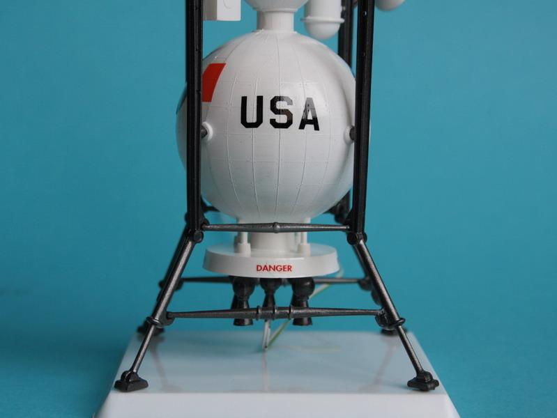 US Moon Ship de chez Lindberg : TERMINE ! ! ! - Page 3 Us_moo56